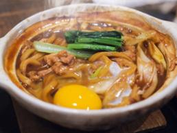 名古屋の郷土料理「味噌煮込み」